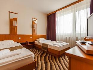 Best PayPal Hotel in ➦ Siofok: Silver Beach Retro Hotel