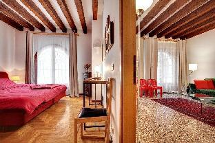 Saint's Mark Apartment Venice - image 4