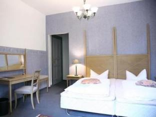 Best PayPal Hotel in ➦ Falkensee: