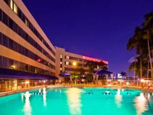 room of Crowne Plaza Hotel Miami International Airport