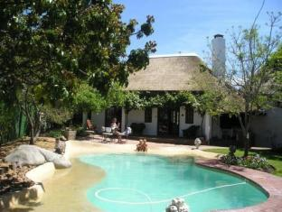 WedgeView Country House and Spa Stellenbosch - Swimming Pool
