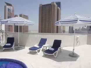 Legacy Hotel Apartments Dubai - Swimming Pool