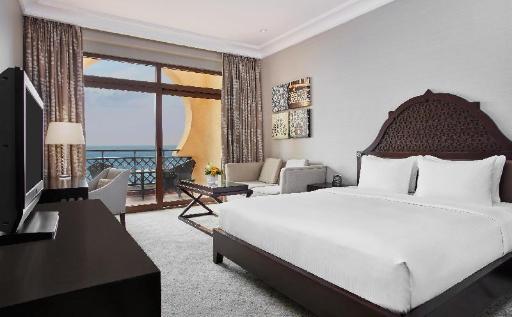 Best guest rating in Ras Al Khaimah ➦ Al Hamra Village Golf Resort takes PayPal