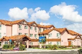 Booking Now ! Rodeway Inn and Suites Hayward