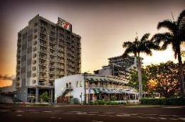 Oaks Metropole Hotel