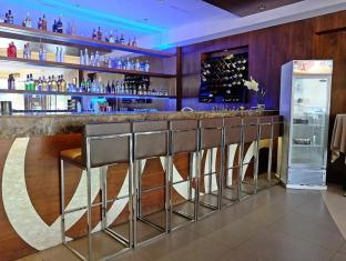 Castle Peak Hotel Cebu City - Pub/Lounge