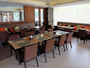 Castle Peak Hotel Cebu City - Restaurant