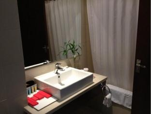 Cypress Garden Hotel Shanghai - Bathroom