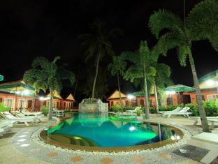 Andaman Seaside Resort Phuket - Uszoda