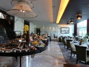 Bonnington Jumeirah Lakes Towers Hotel Dubai - The Cavendish Restaurant
