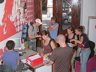 Red Nest Hostel – Valencia 4