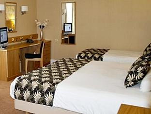 Weetwood Hall Hotel Leeds - Guest Room