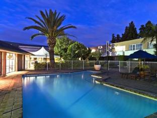 Hotel Grand Chancellor Auckland Airport Auckland - Swimming Pool