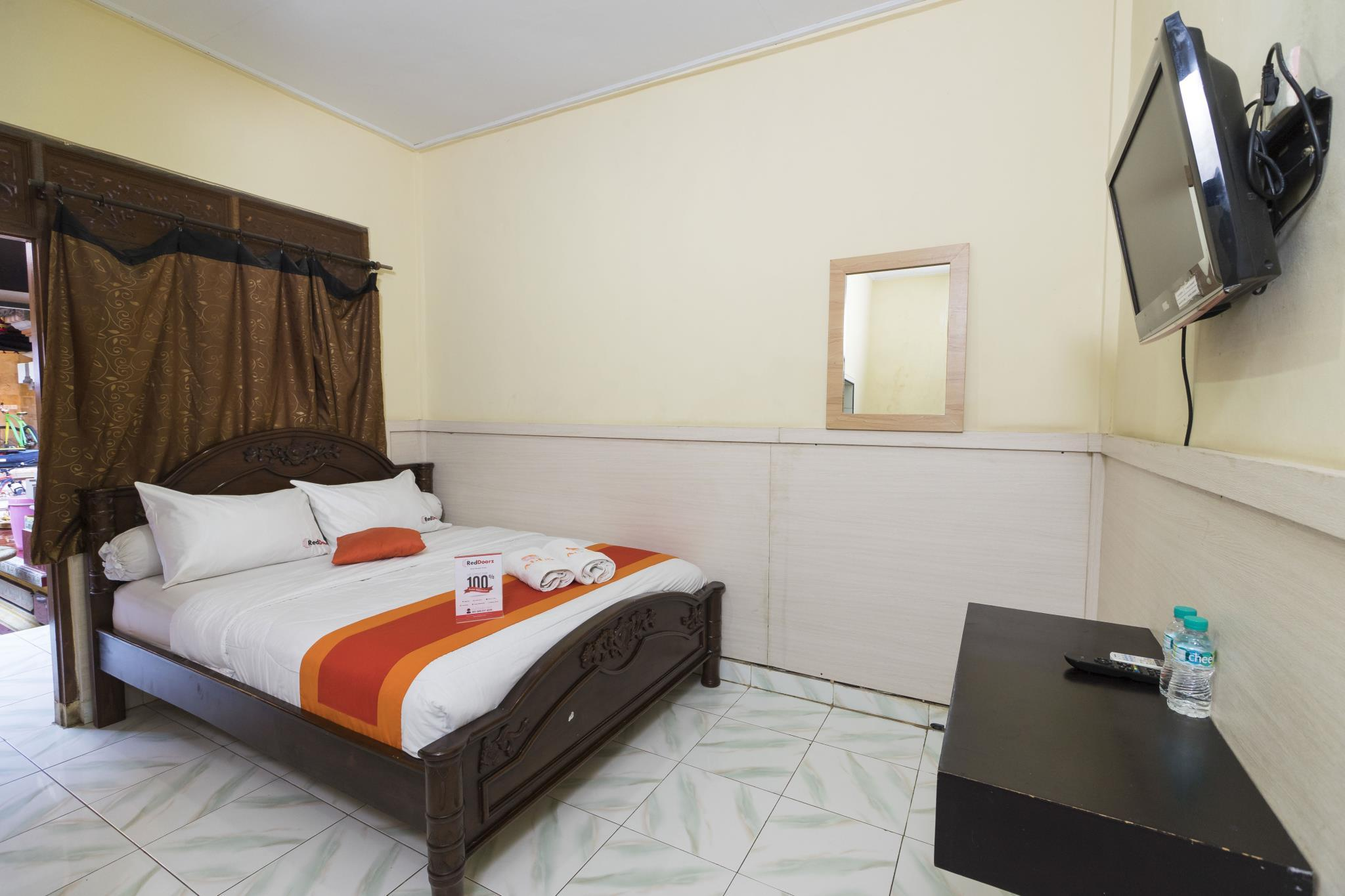 Hotel RedDoorz @ Kartika Plaza 3 - Located at Agus Beach Inn, Jalan Kartika Plaza, Gang Samudra No. 77x, Kuta - Bali