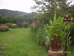 Naiharn Garden Resort Phuket - Persekitaran