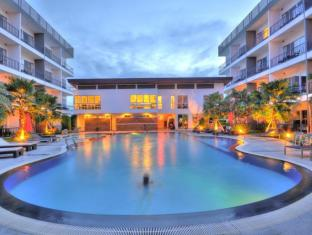 BS Residence Suvarnabhumi Bangkok - Swimming Pool