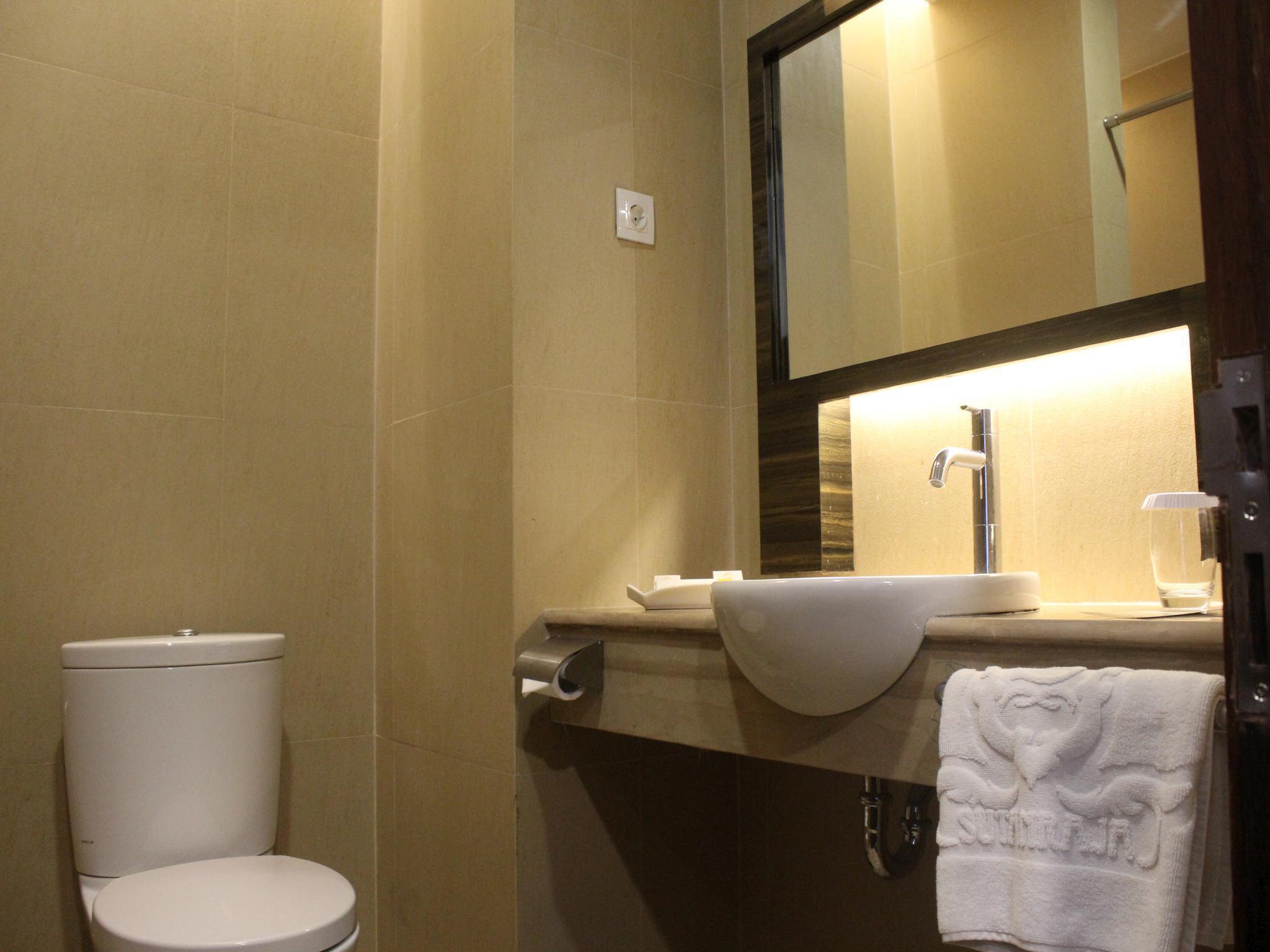 Hotel Hotel Sutan Raja Kotamobagu - Jalan Siliwangi - Kotamobagu