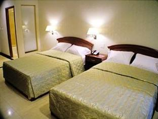 Kings Hotel New York (NY) - Deluxe with Two Double Beds