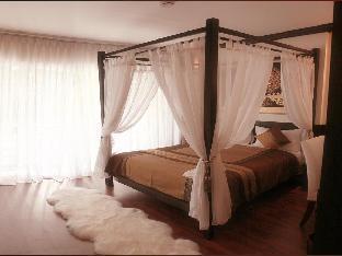 マース サートン ホテル Mirth Sathorn Hotel
