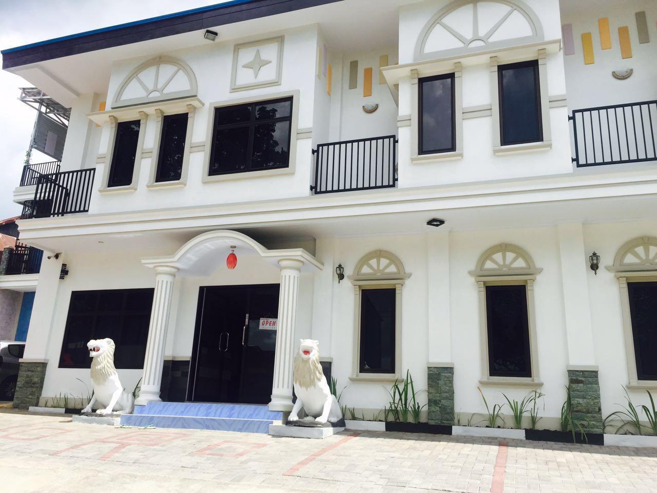 Hotel De Royale Manado - Jl. Pomorow Tikala Baru - Manado