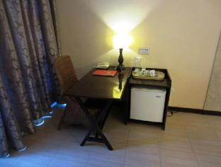 Dulcinea Hotel and Suites Mactan Island - חדר שינה
