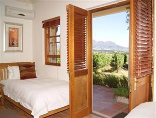 LovanE Boutique Wine Estate and Guest House Stellenbosch - Disabled Room