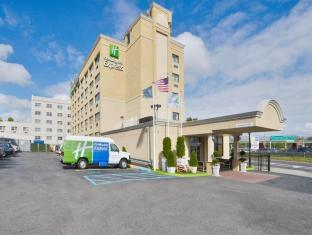 Holiday Inn Express Laguardia Arpt Hotel
