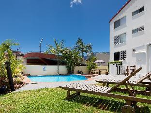 Burleigh Point Holiday Apartments3