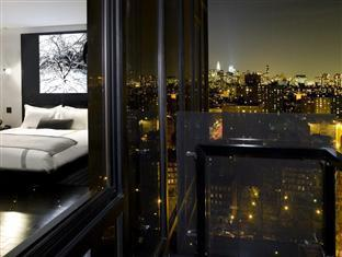 Sixty Les Hotel New York (NY) - Floor to ceiling windows
