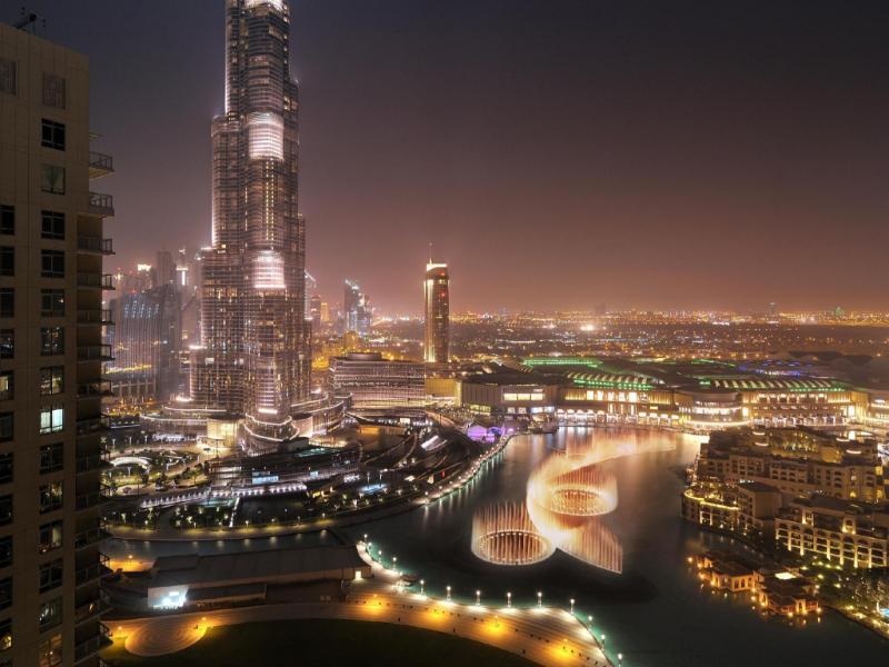 Ramada downtown dubai deluxe suites dubai united arab for Best hotels dubai downtown