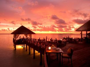 The Sun Siyam Iru Fushi Luxury Resort Maldives Islands - Overwater Trio Restaurant