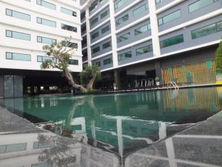 New Dara Boutique Hotel & Residence Phuket - Salt water swimming pool