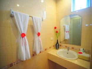 Patong Paradee Resort Phuket - Bathroom