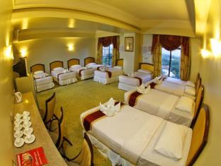 Sarrosa International Hotel and Residential Suites Cebu City - Grand Family Suite - 10 Beds