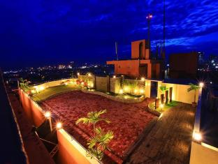 Sarrosa International Hotel and Residential Suites Cebu City - Sky Garden