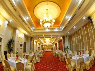 Sarrosa International Hotel and Residential Suites Cebu City - Grand Ballroom