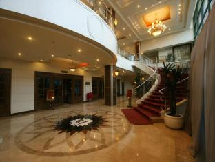Sarrosa International Hotel and Residential Suites Cebu City - Lobby