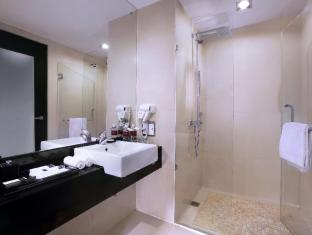 Grand Aston City Hall Hotel & Serviced Residences Medan - kopalnica