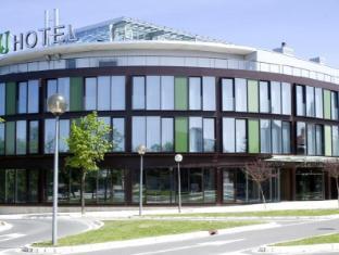 Hotel Zenit Jardines de Uleta Suites