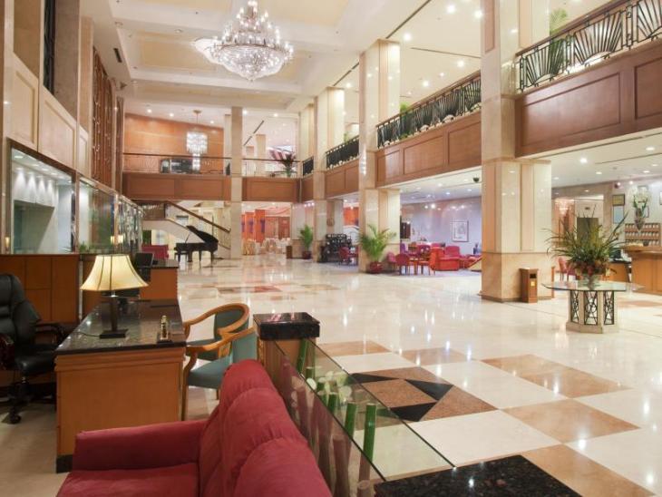 Holiday Inn Wuhan Riverside photo 3