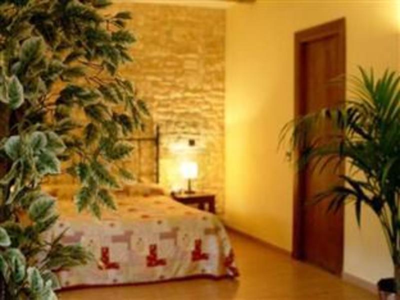 Best PayPal Hotel in ➦ Espluga de Francoli: