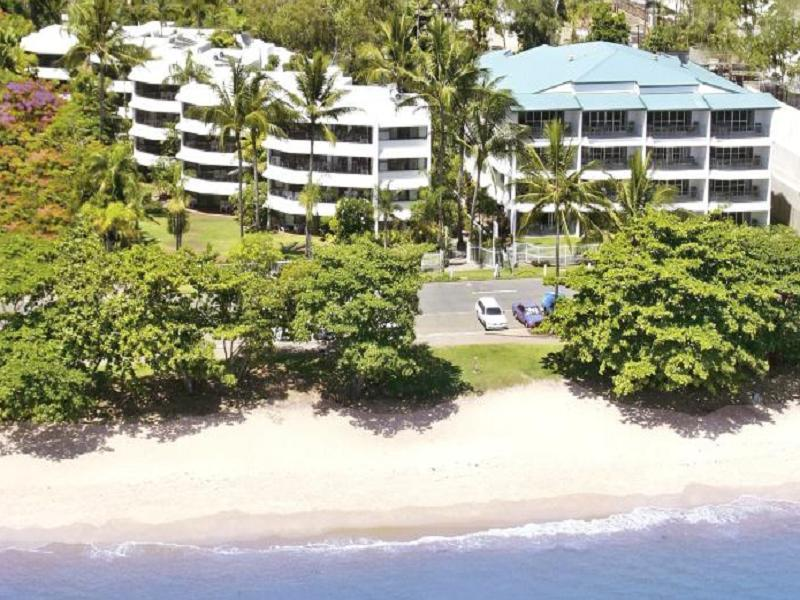 Roydon Beachfront Apartments Cairns