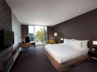 Crowne Plaza Adelaide Hotel Adelaide - King Deluxe