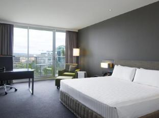 Crowne Plaza Adelaide Hotel Adelaide - King Bed