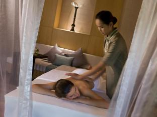 Renaissance Phuket Resort & Spa A Marriott Luxury & Lifestyle Hotel Phuket - Quan Spa Treatment
