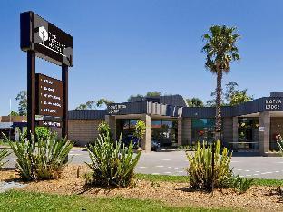 ➦  Accor Hotels    (Victoria) customer rating