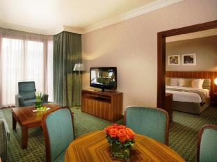City Seasons Al Hamra Hotel Abu Dhabi - Club Suite