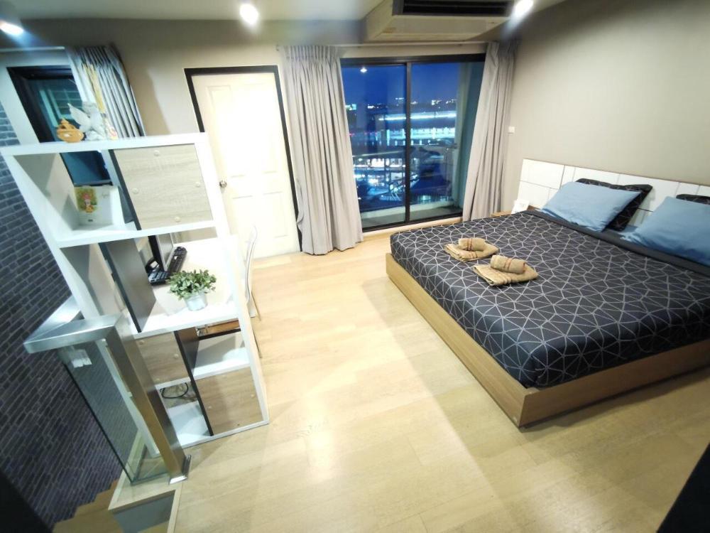 Luxury Suite Duplex Jacuzzi near BTS Sukhumvit69