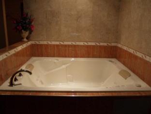 Horizon Inn Newark (New Jersey) - Pezsgőfürdő