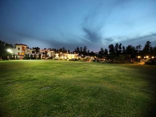 Hotel Clark Greens - Airport Hotel & Spa Resorts New Delhi and NCR - Exterior